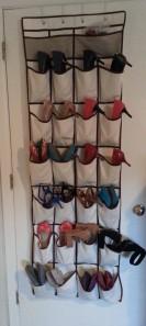 12 Pocket shoe organizer Hanging on the back of the bedroom door