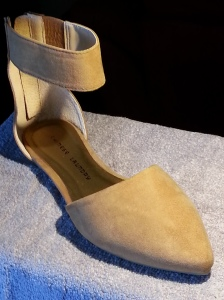 Chinese Laundry Edendale Camel colored two piece flat. The Edendale has a sassy ankle strap, almond toe, and back zipper.