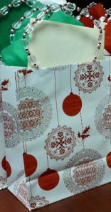 Christmas Gift Bag with Tissue & a Card