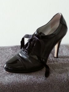 "Tahari 4"" Black Oxford Heels"
