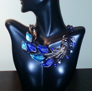 Painted Leaves Collar Necklace Shape Lately
